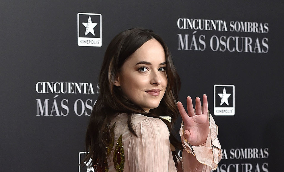 Dakota Johnson y Chris Martin, una relación que se confirma